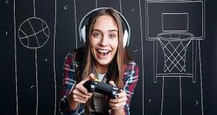 Ragazza che gioca ai videogames
